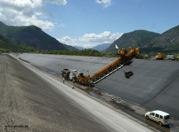 Asphalt Canals: Excavation & Lining